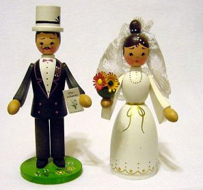 german_wood_wedding_figures_1