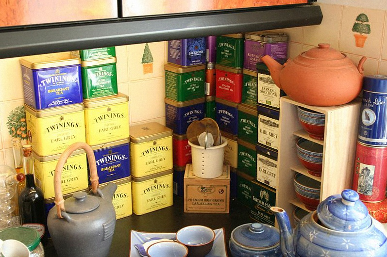 Tea_tins_in_kitchen,_mostly_Twinings
